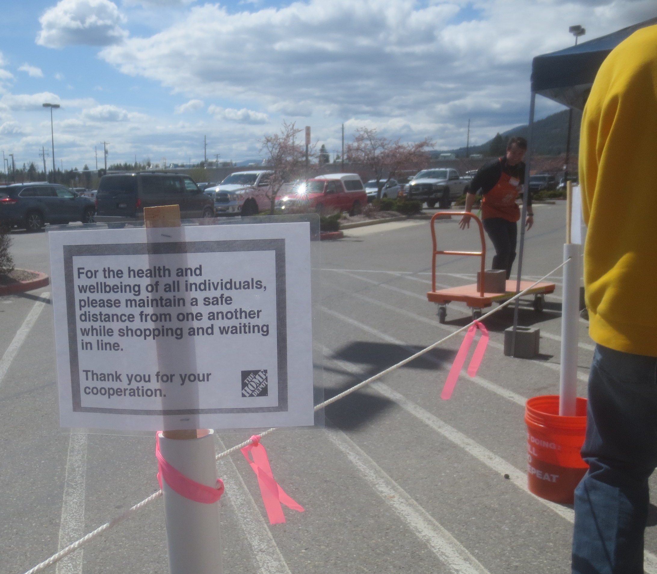 Pandemic sign at Home Depot